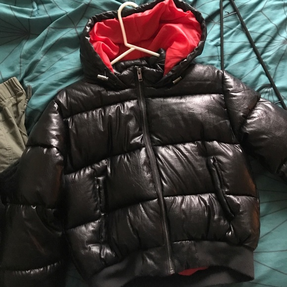 H&M Jackets & Blazers - Black Cropped Puffer Jacket